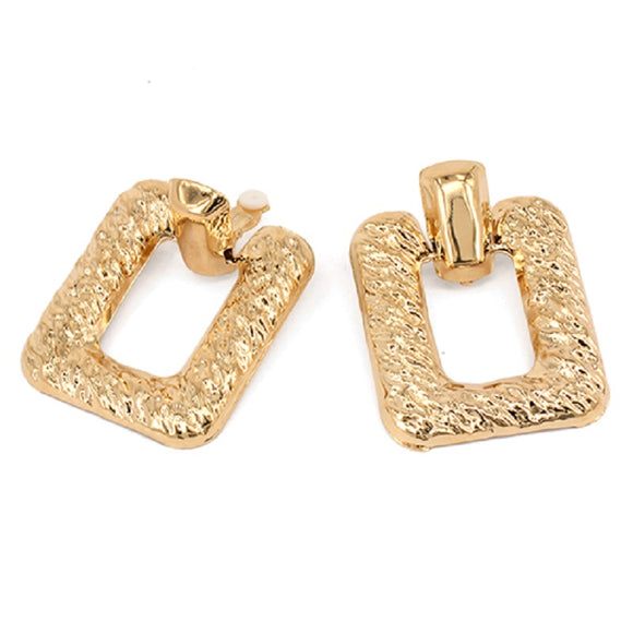 GOLD TEXTURED METAL EARRINGS ( 7213 )
