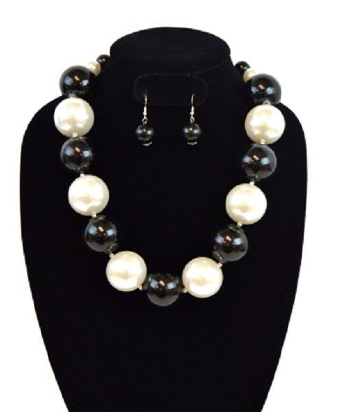 Large Black and White Pearl Beaded Necklace with Earrings
