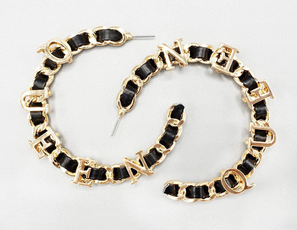 GOLD BLACK LEATHER METAL QUEEN HOOP EARRINGS ( 6475 )