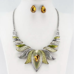 Yellow Epoxy Teardrop Stone Fashion Necklace with Stud Earrings