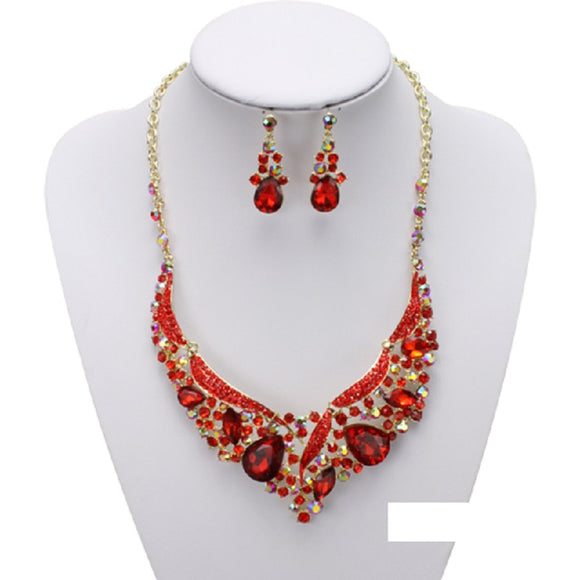 GOLD NECKLACE WITH RED STONES ( 1956 )