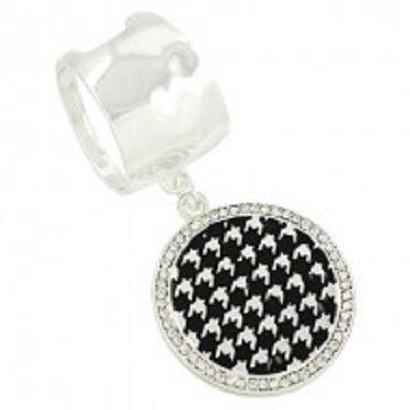 Round Houndstooth and Rhinestone Scarf Ring