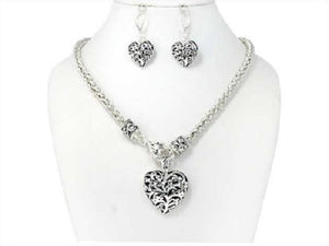 Silver Wavy Filigree Design Heart Necklace Set ( 04192 )
