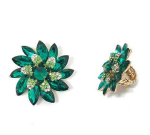 Large Pin Wheel Flower Design Green Rhinestone Stretch Ring in Gold Setting ( 031 )