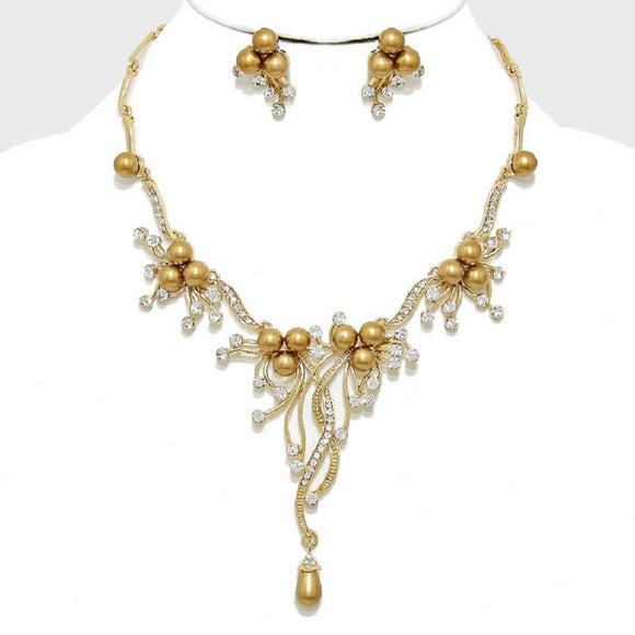 GOLD NECKLACE WITH RHINESTONES AND PEARLS AND MATCHING EARRINGS ( 9041 )