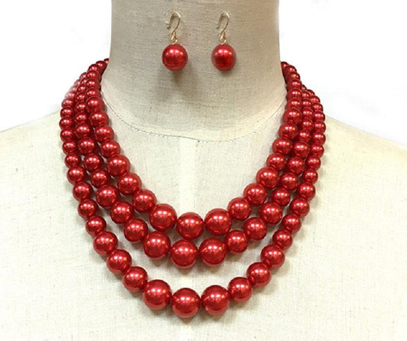 RED COLORED PEARL NECKLACE WITH MATCHING EARRINGS ( 30782 )