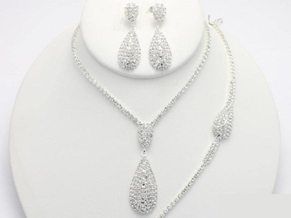 SILVER CLEAR NECKLACE WITH MATCHING EARRINGS AND BRACELET ( 18259 )