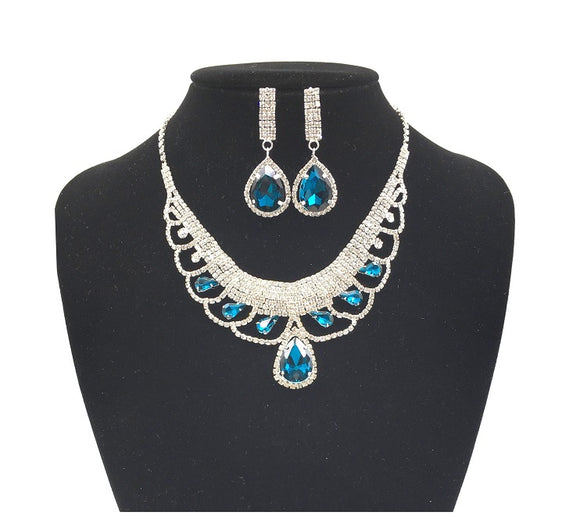 Teal Blue and Clear Rhinestone Necklace Set in Silver Setting ( 0228 )