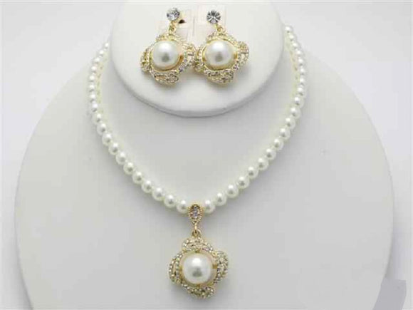 Cream Pearl and Rhinestone Gold Necklace Set with Dangle Earrings ( 17795 )