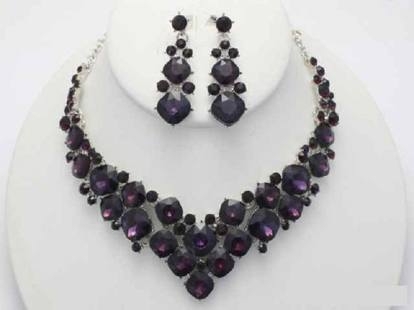 Purple Stone Necklace Set with Earrings on Silver Hardware ( 17876 )