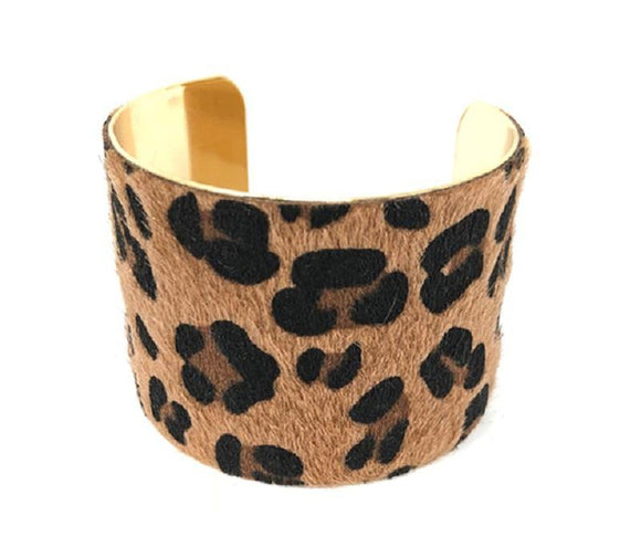 GOLD METAL CUFF BANGLE ANIMAL PRINT FAUX FUR ( 1001 )