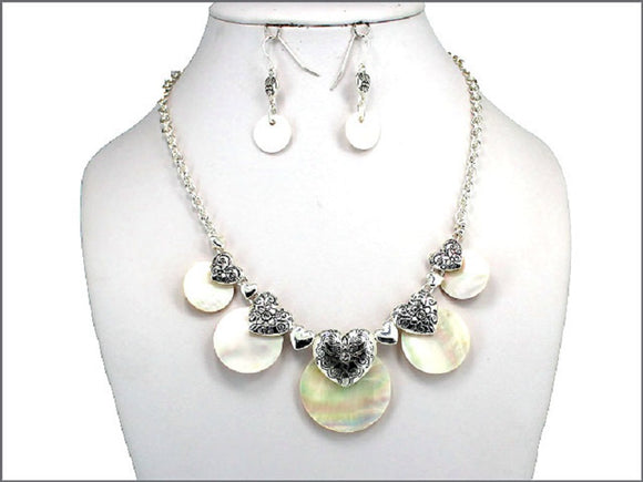 SILVER NECKLACE SET WITH MOTHER OF PEARL PIECES AND HEARTS ( 03024 )