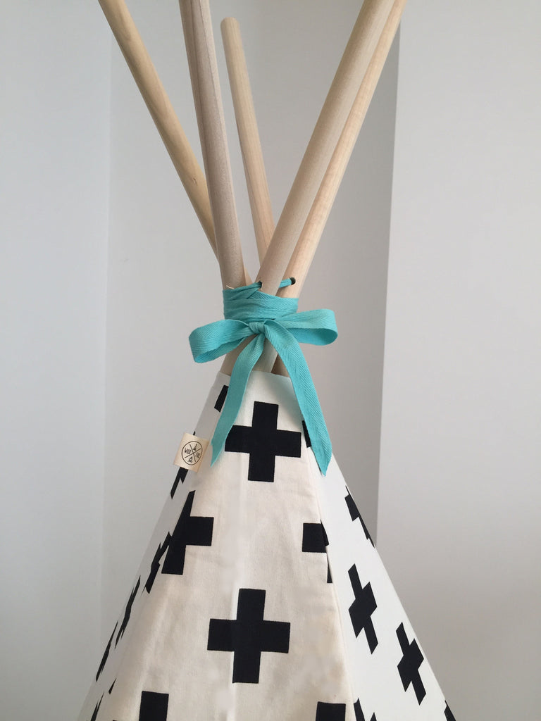 Cross Teepee Seafoam Trim