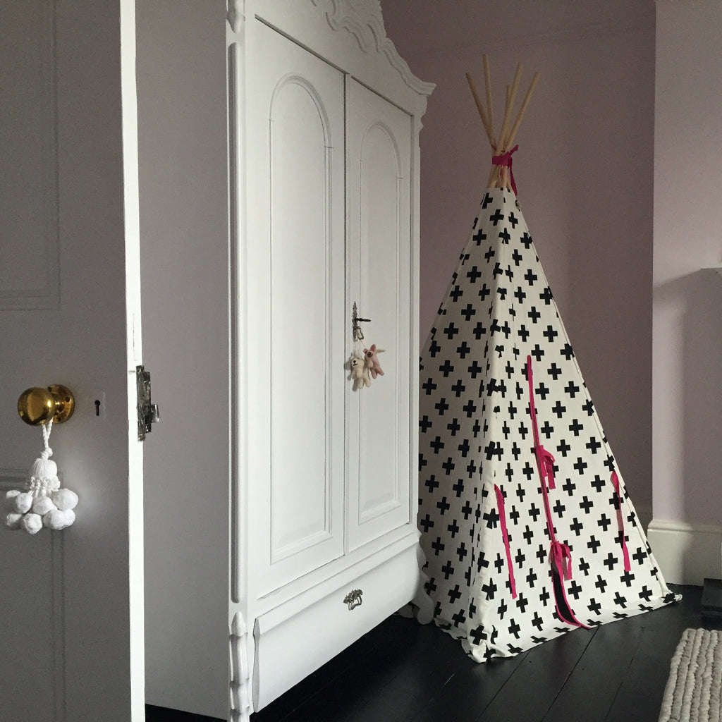 Cross Teepee Pink Trim