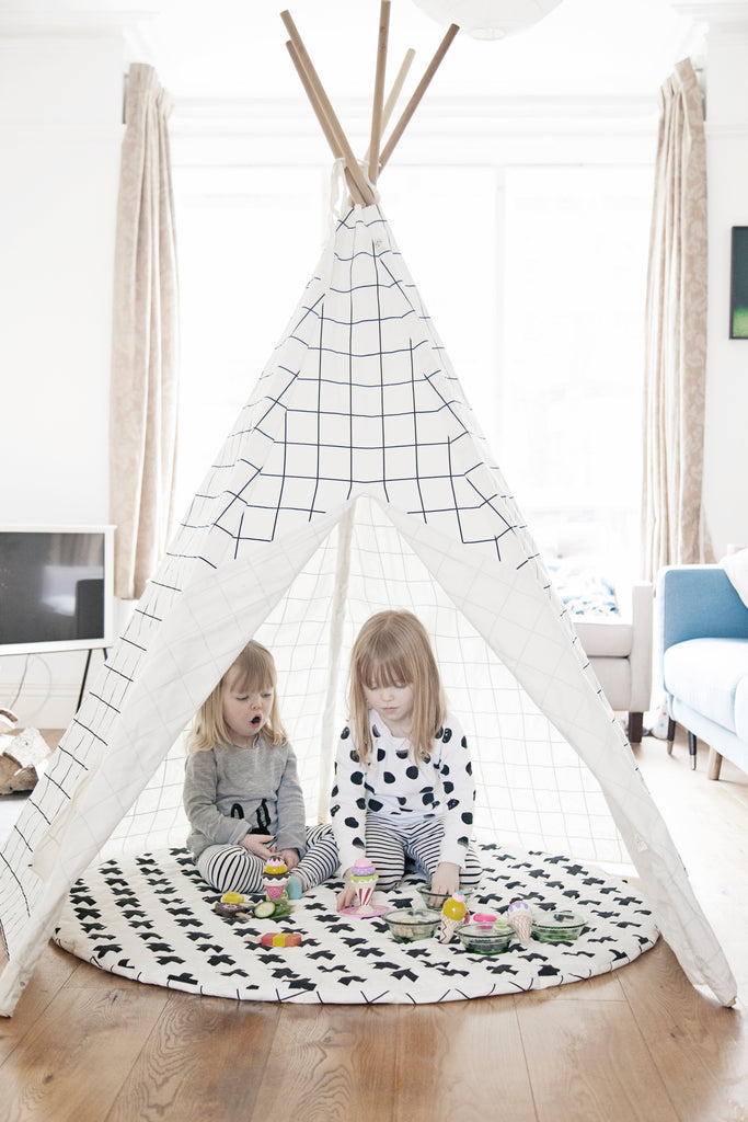 Grid Teepee White Trim