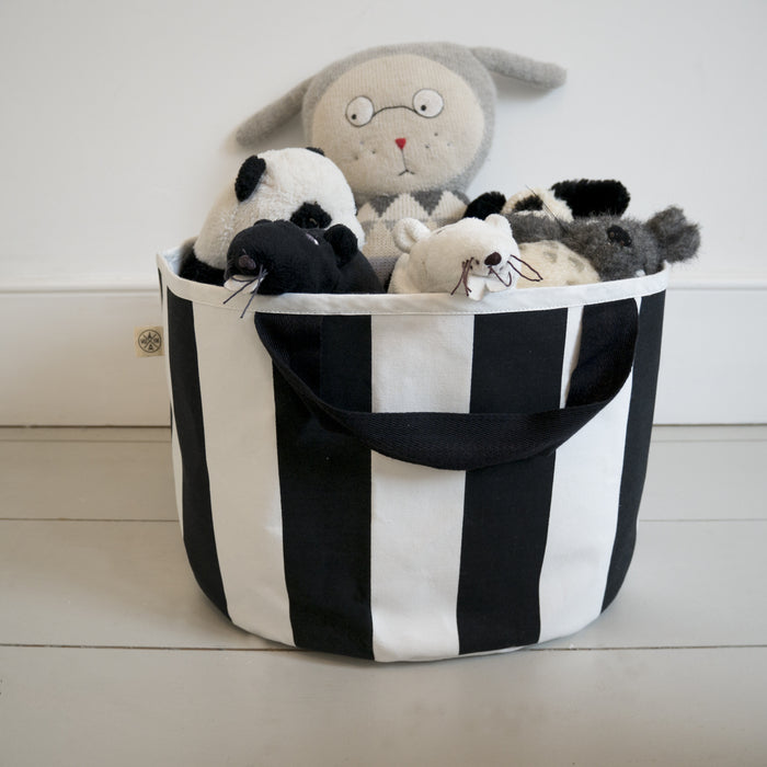 Shallow storage bag in Stripe