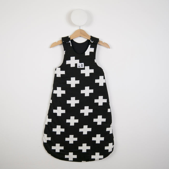 Sleeping bag in Black Cross print