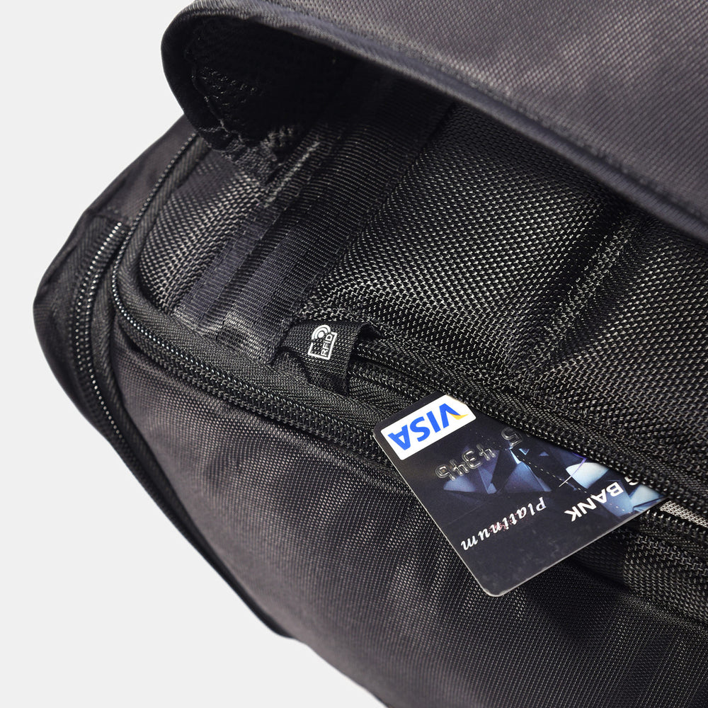 "Hedgren BOND Large Backpack 15.6"" With Raincover RFID"
