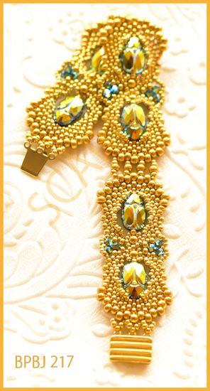 Bead Tutorial - Scarab by Jaycee - Peyote Stitch