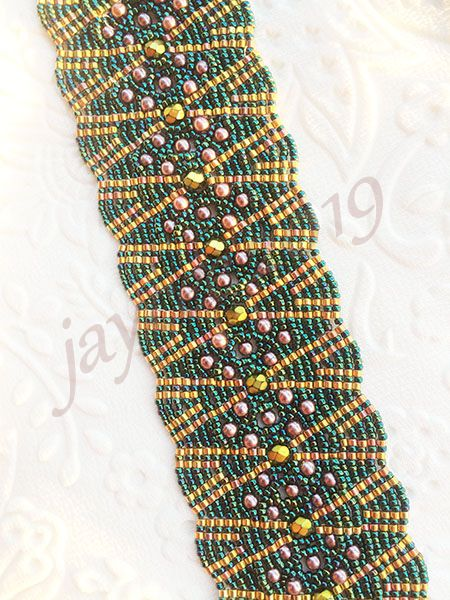 Beaded Bracelet Tutorial - Kakana Cuff - Ladder and Netting Stitch