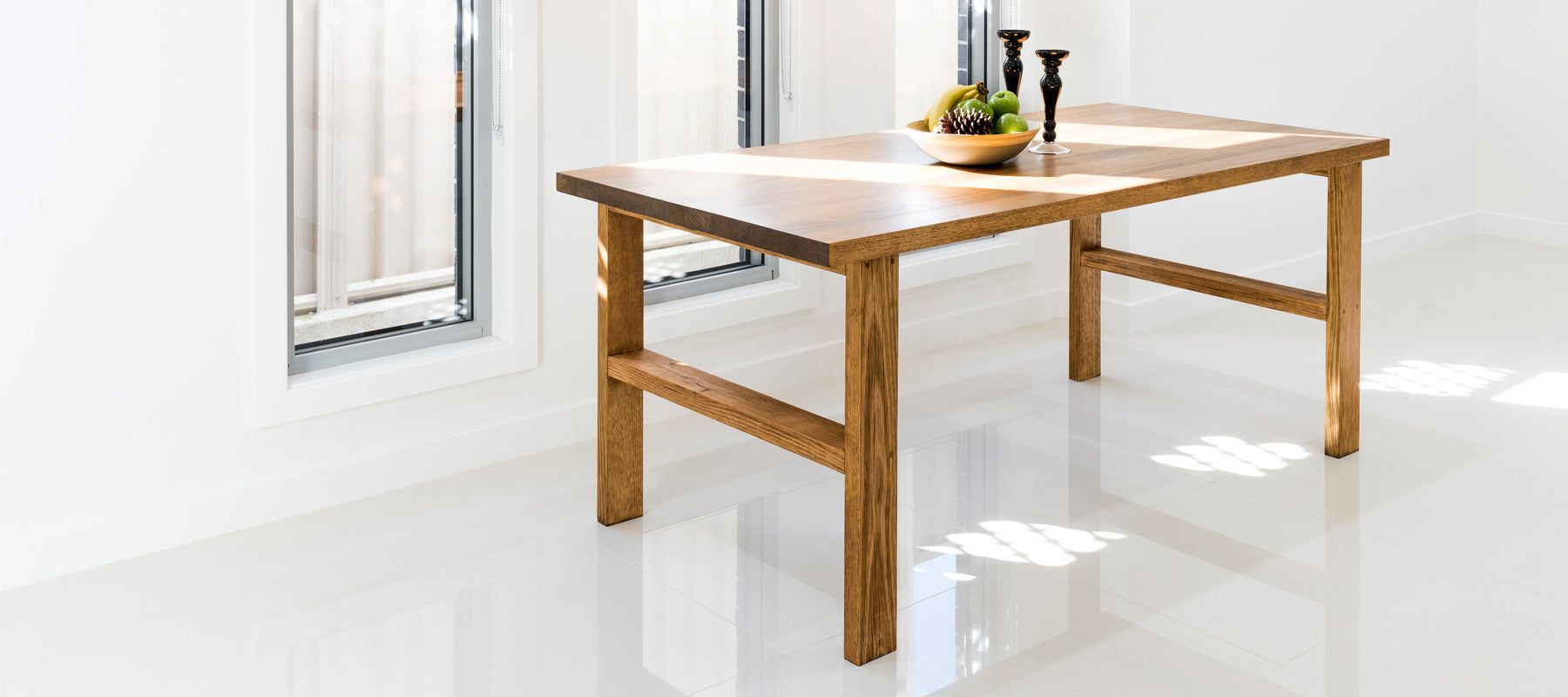 Henson dining table