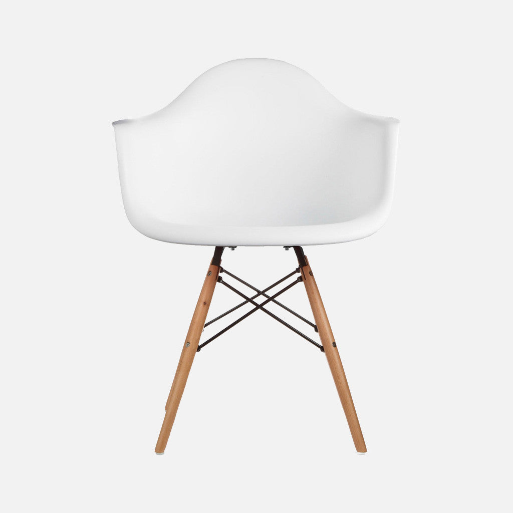 Eames Replica Armchair – Wooden legs DAW – White - Nestly