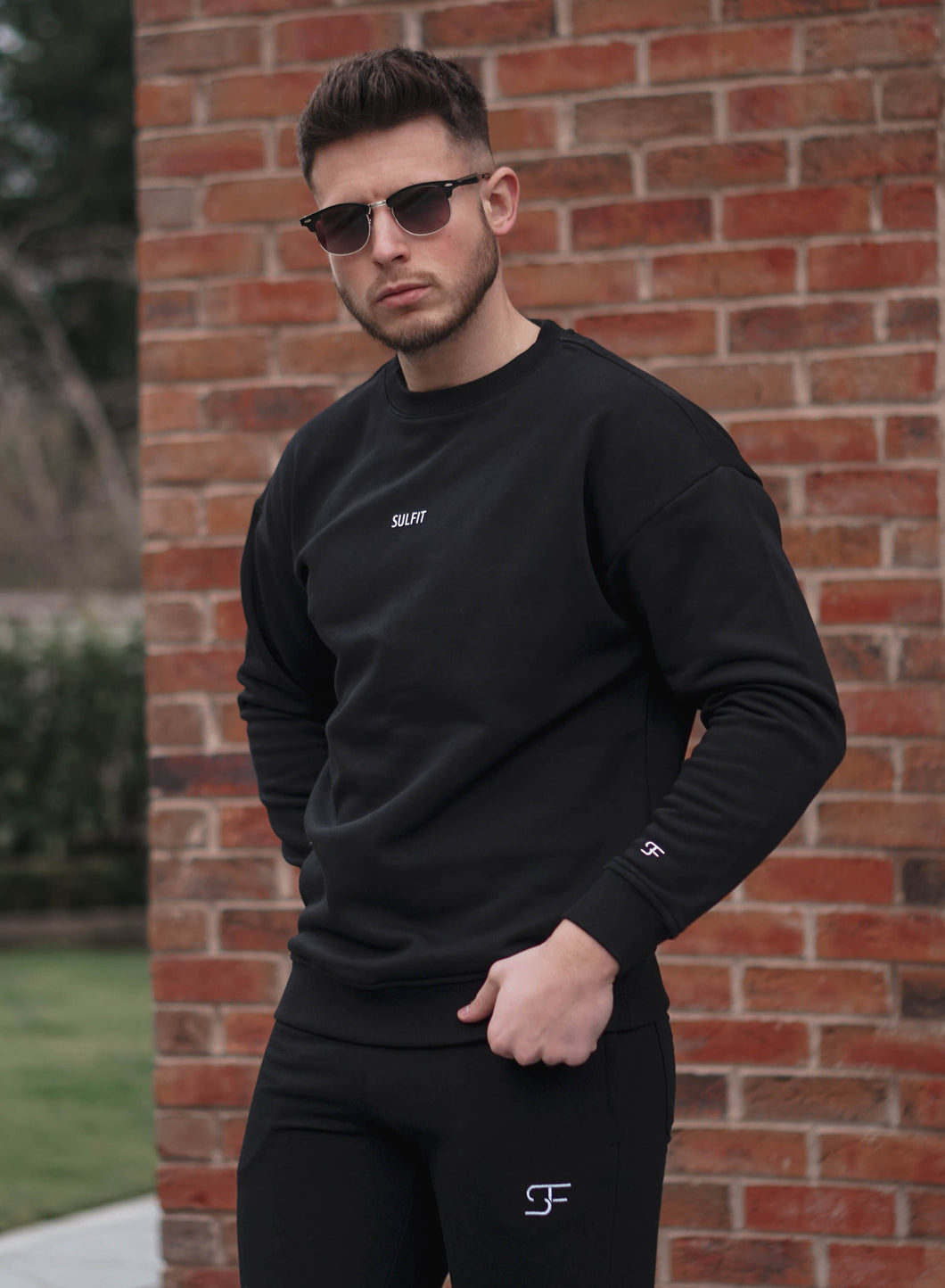 Aura Sweatshirt - Jet Black