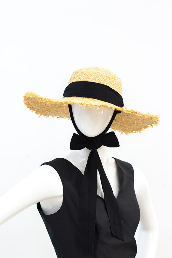 Lady Abaniko hat with black ribbon