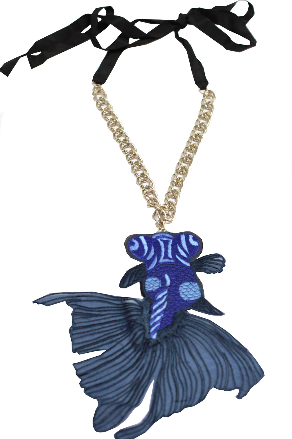 Connesse - Goldfish necklace