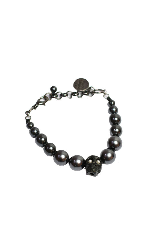 Venessa Arizaga - Black pearl with one skull bracelet