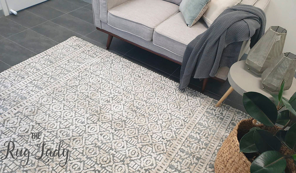 Lenni Grey Distressed Ornate Rug