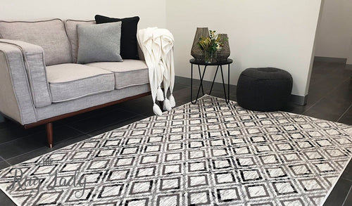 Metropolitan Maisie Ivory Black Geometric Diamonds Rug