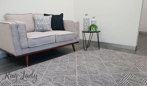 Heaven Silver Geometric Diamond Rug