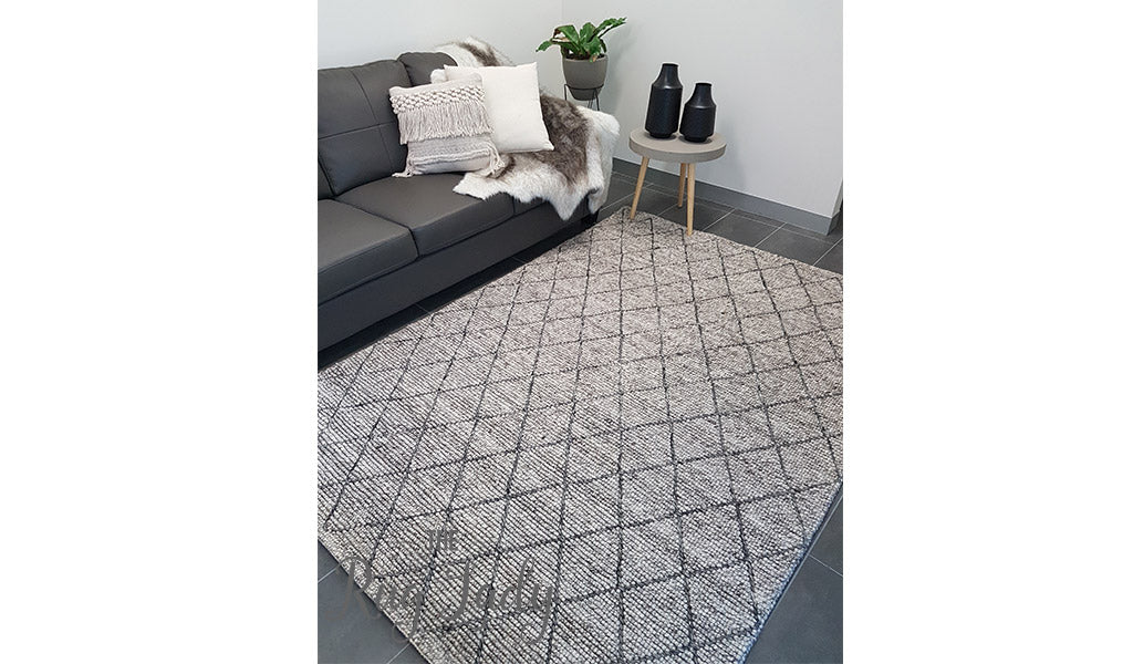 Relatively Savannah Grey Tribal Diamond Felted Wool Rug – The Rug Lady AF51