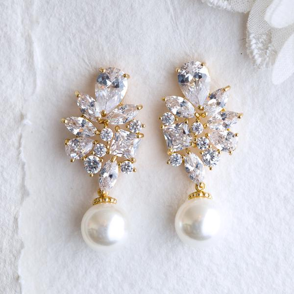Adela crystal and pearl silver earrings
