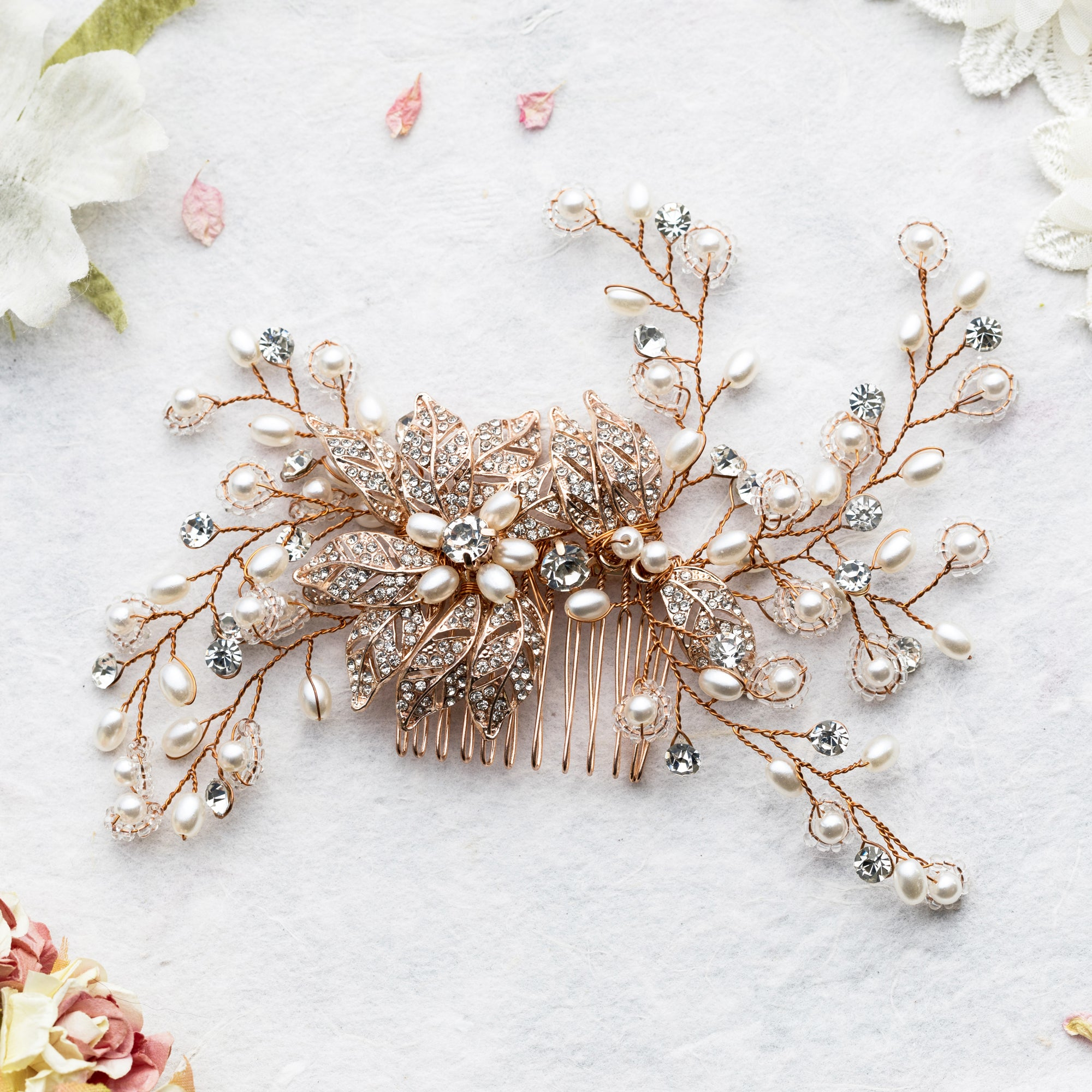 Amoret flower gold hair comb