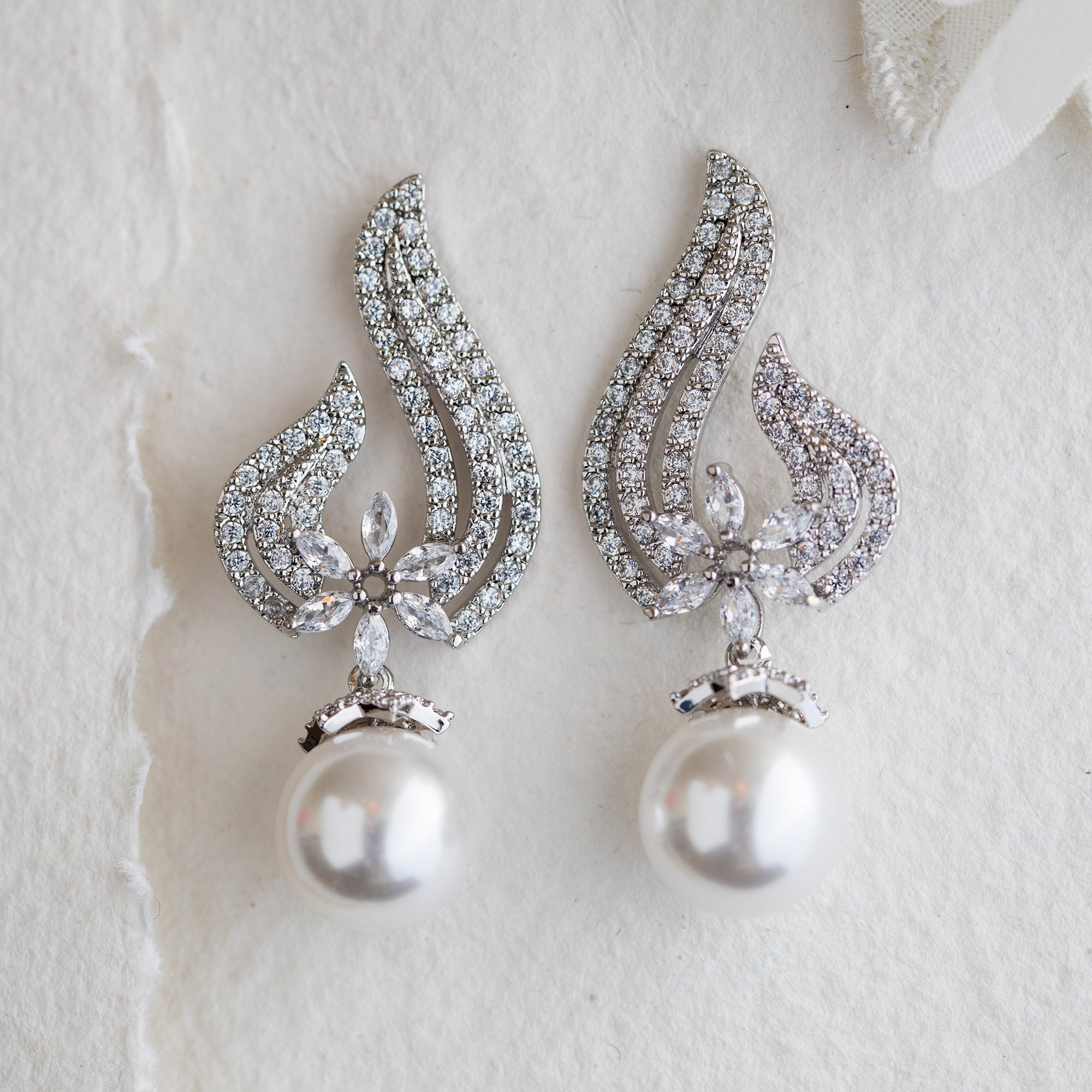 Billie pearl and crystal earrings