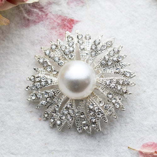 Chrissy crystal and pearl brooch