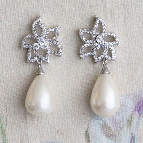Daya pearl and crystal earrings