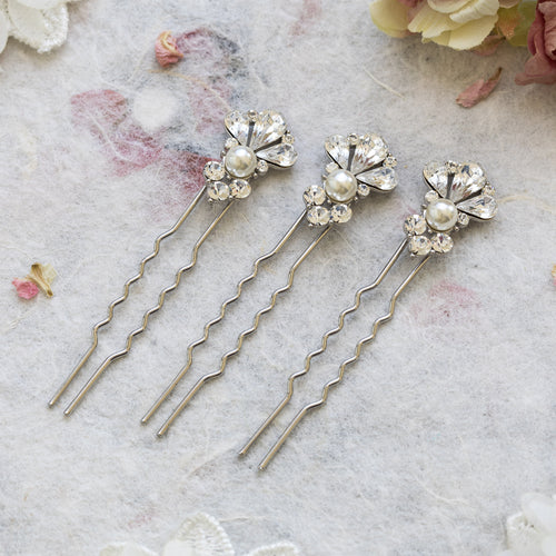 Ekisa set of three hair pins