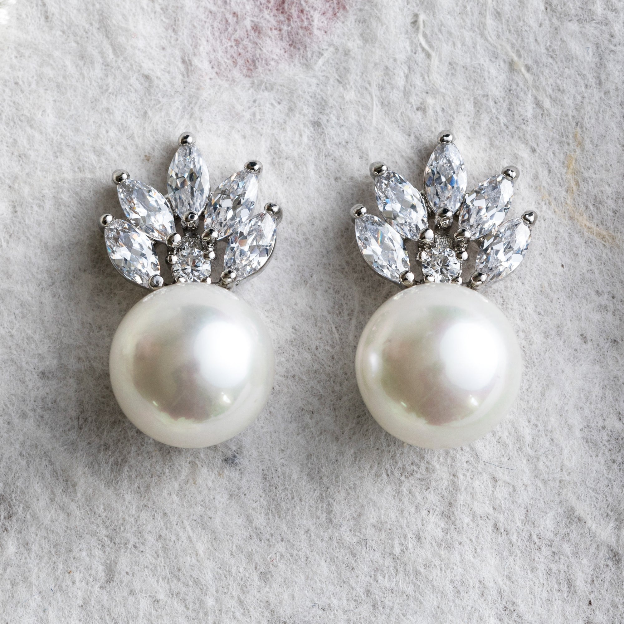 Pia pearl and crystal earrings