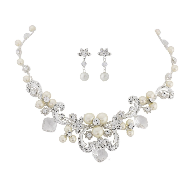 Tamir necklace and earring set