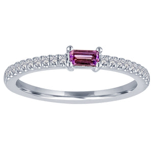 The Julia ring with amethyst center