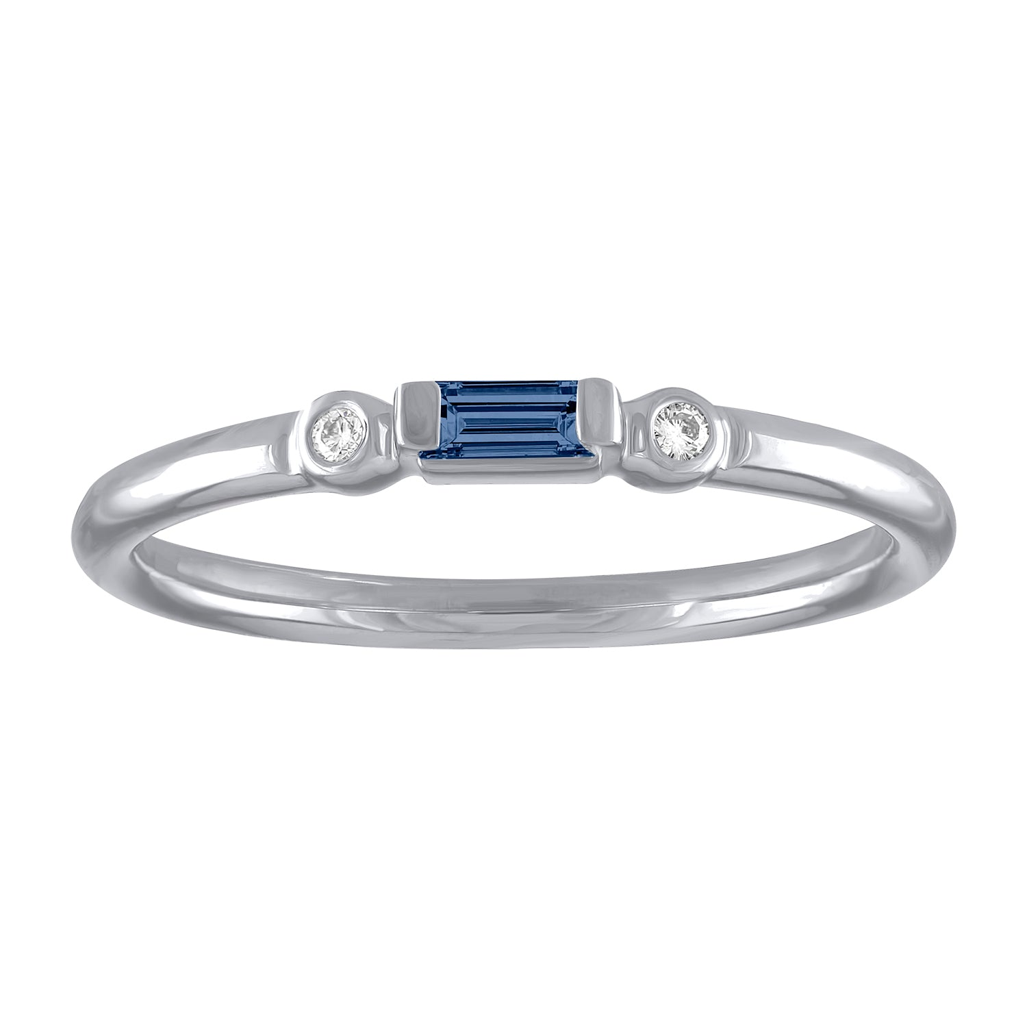 Olive ring with sapphire baguette and two round diamonds
