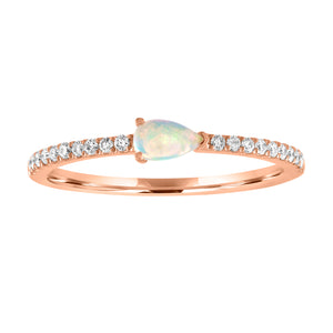 Layla ring with opal pear