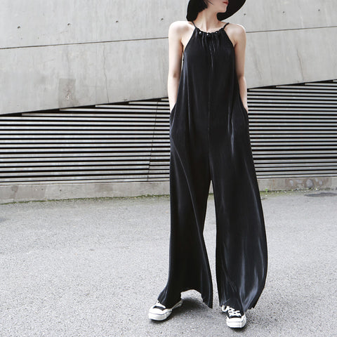 OVERSIZE BLACK PRESSED JUMPSUIT