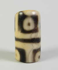Rare Ancient 12 Eye dZi Bead (damaged) with Ancient Banded Agates (28 beads)