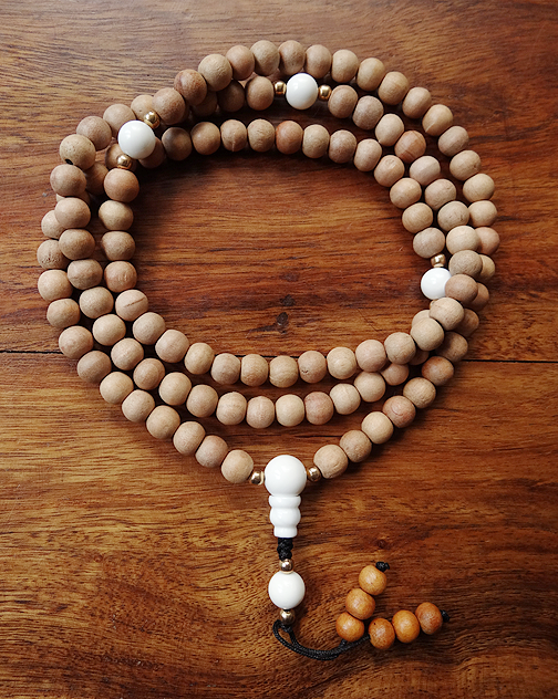 Sandalwood Mala with Conch Dividers - 8mm