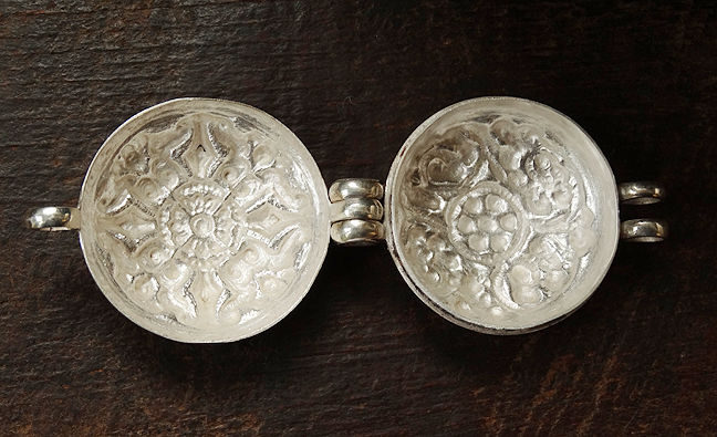 Fine Quality Silver Double Vajra Gau - 36 mm
