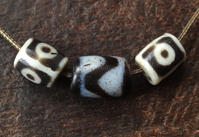 Rare Ancient Tasso dZi Bead with pair of resin three eye beads - 16 mm